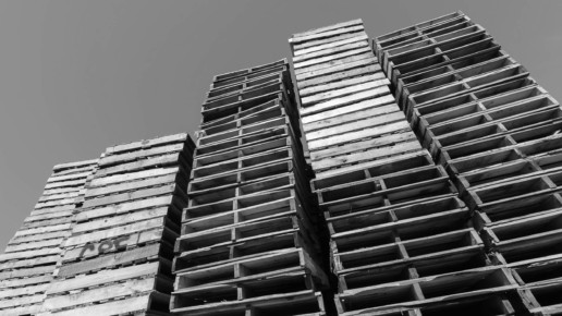 header-pallets-stacked